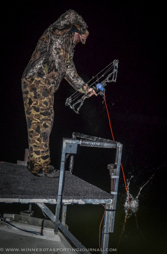 42214 - bowfishing minnesota archery matt jeremy-18