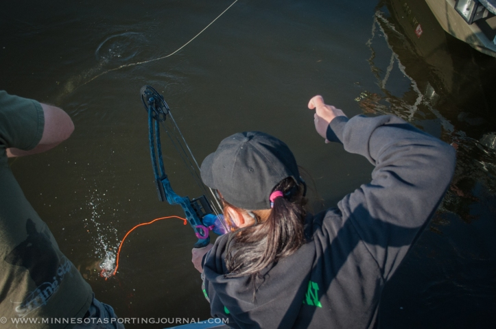 61014 - bowfishing carpe diem curt wells_-11