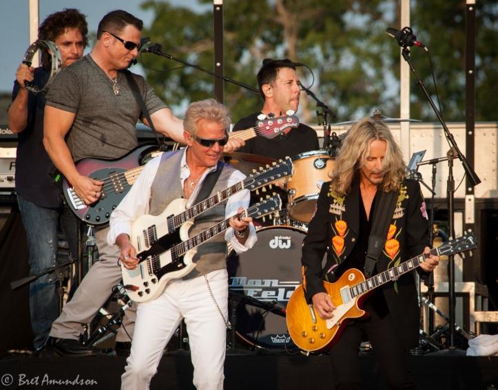 Don Felder and Tommy Shaw jam Hotel California