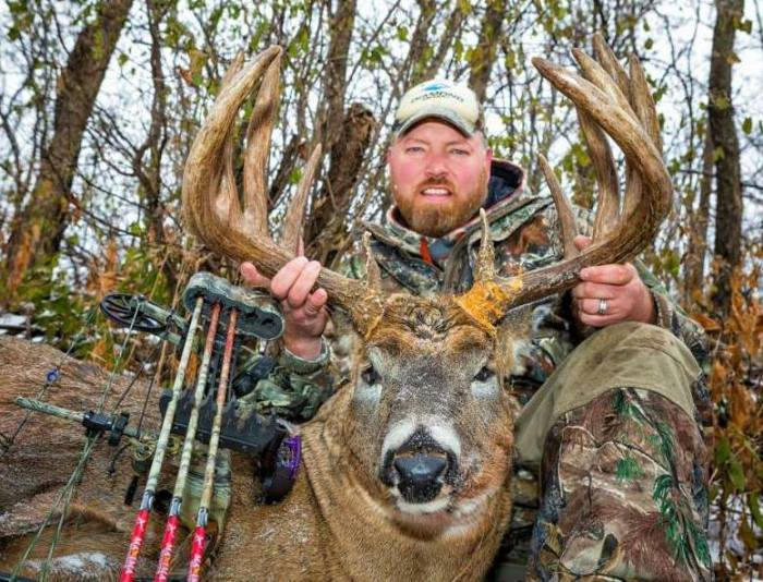 Michael Chamberlin's Washington County giant.  Green score of 196 3/8 - 13 points