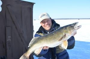 Joe Henry, 31 inch walleye, Ice Fishing, Lake of the Woods
